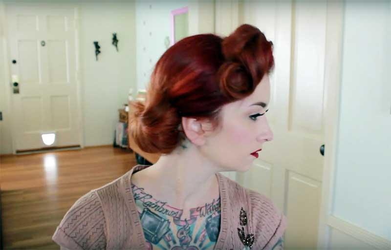 Vintage Curly Side Bun