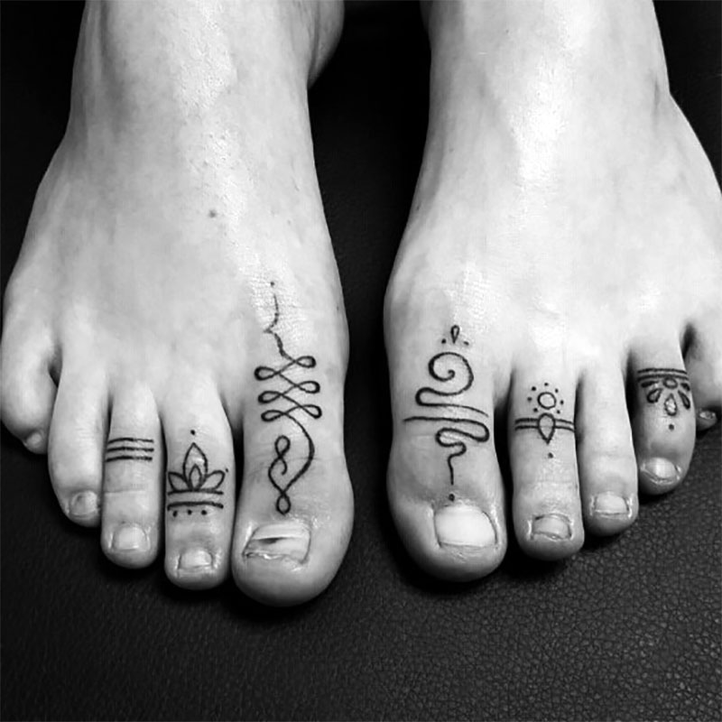 Toe Ring Tattoos Designs | Toe Ring Tattoos The Ultimate In Comfortable Accessories