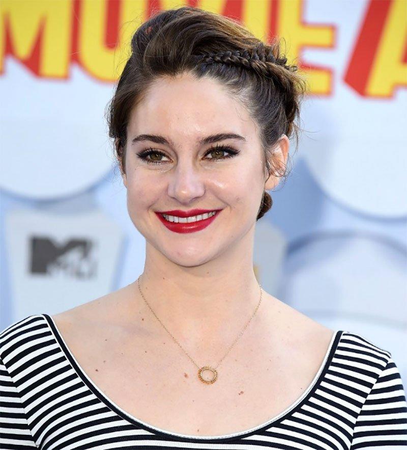 Shailene Woodley MTV movie awards braid hair