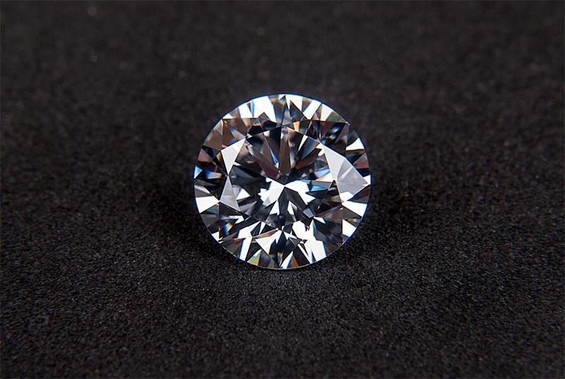 reasons to buy traditional diamond