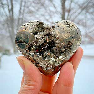 Pyrite Meaning and Crystal Healing Properties.