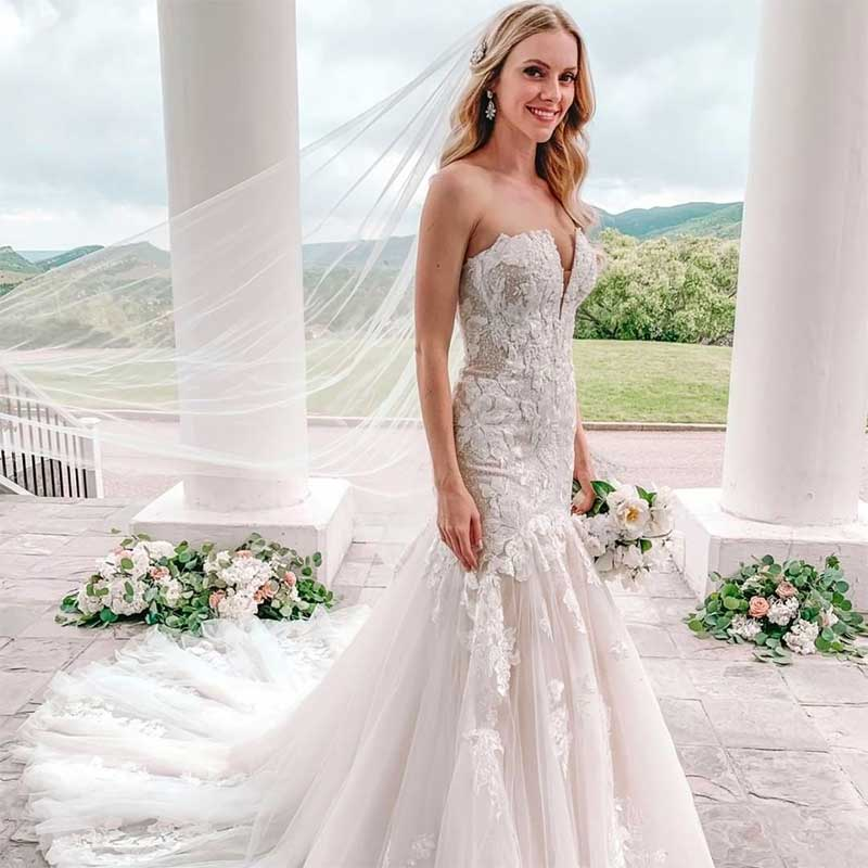 Finding a Wedding Dress That Flatters Your Shape