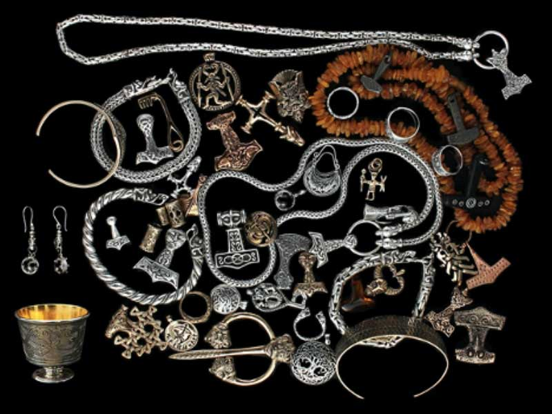 Viking Clothes: What Did The Vikings Wear