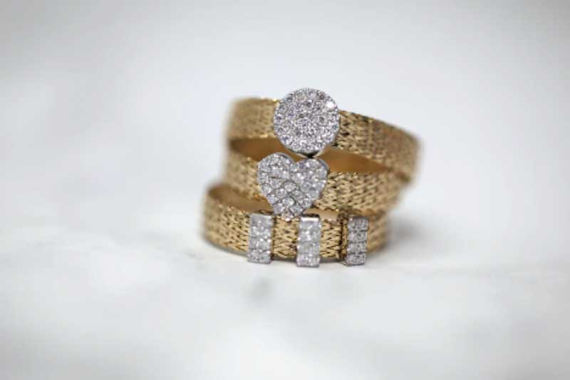 How To Look For Engagement Rings