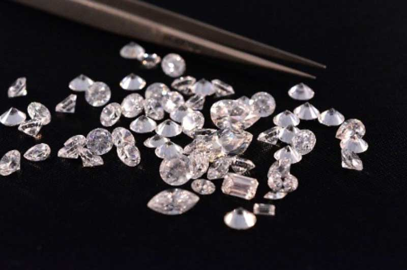 How Can You Tell a Real Diamond from a Fake Diamond?