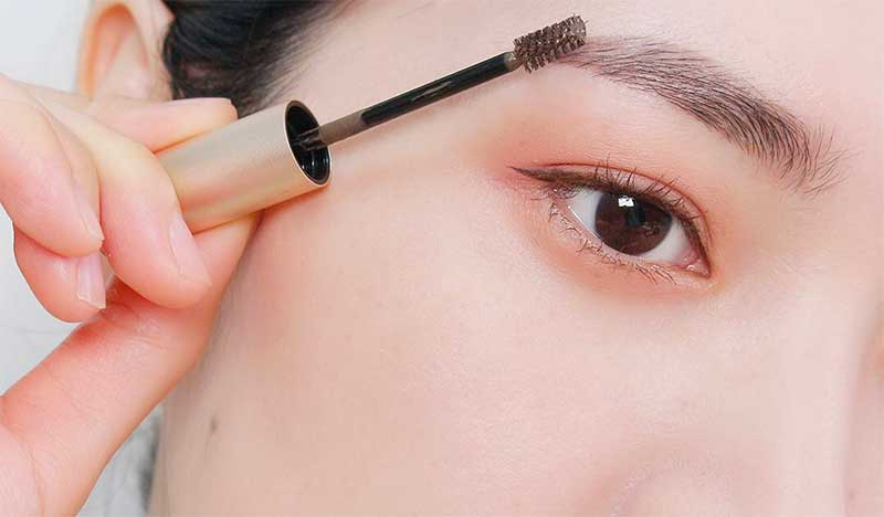 Brow Gels To Keep Your Eyebrows in Place