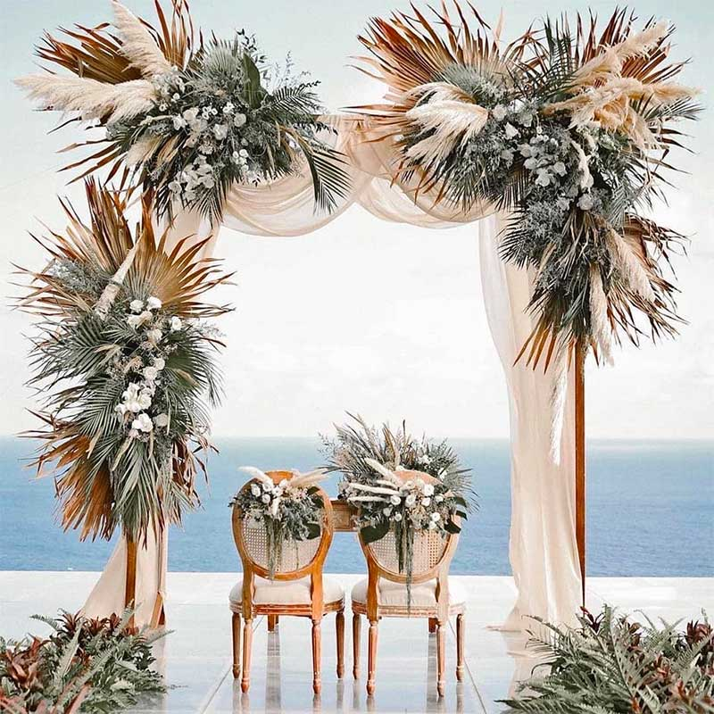 Top 13 Reasons to Have Your Beach Wedding