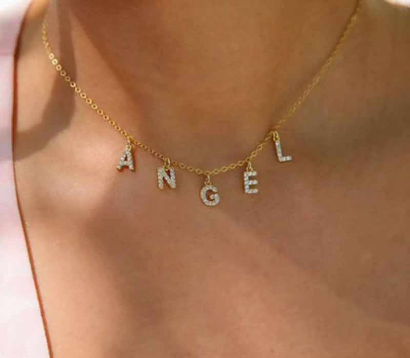 Best Nameplate Necklaces and the Style