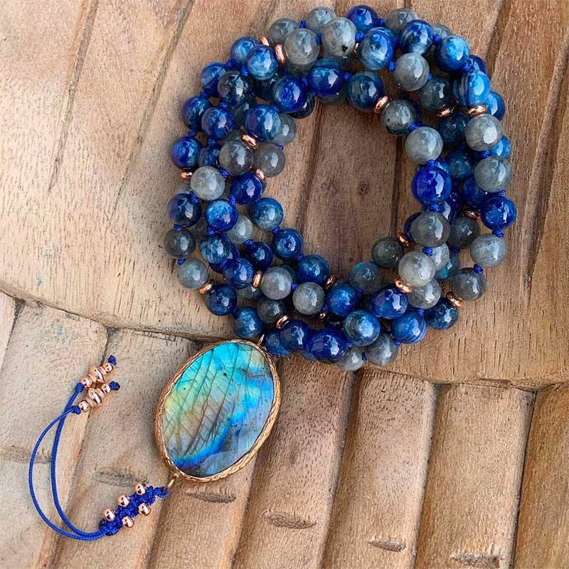 Blue Kyanite Gemstone Ring - Types of Blue Gemstones