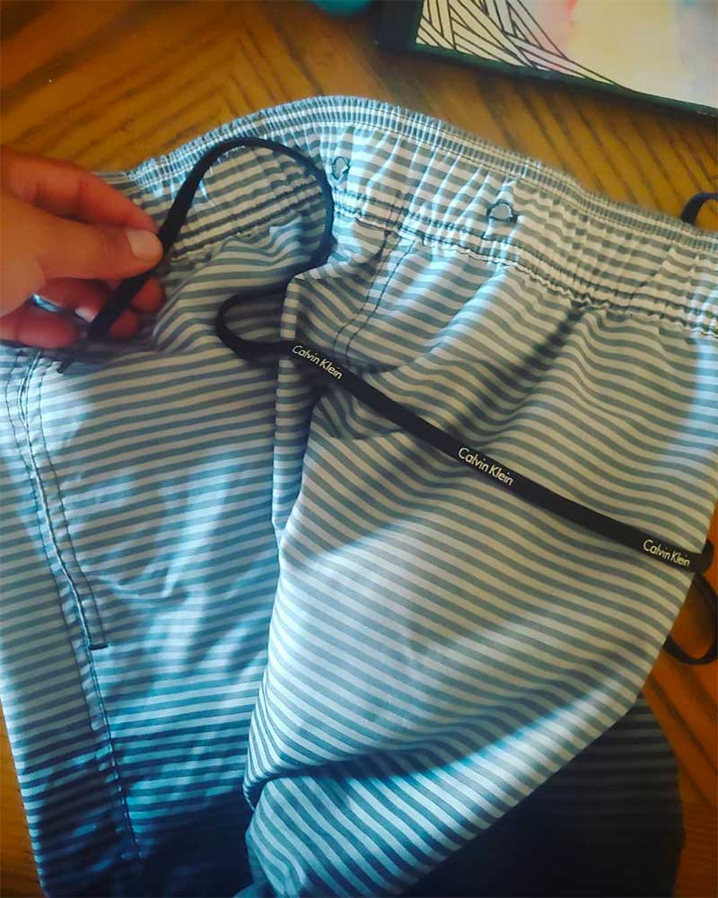 How to Fix a Drawstring on Sweatpants