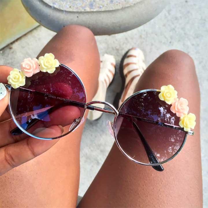 Gray UV Floral Sunglasses