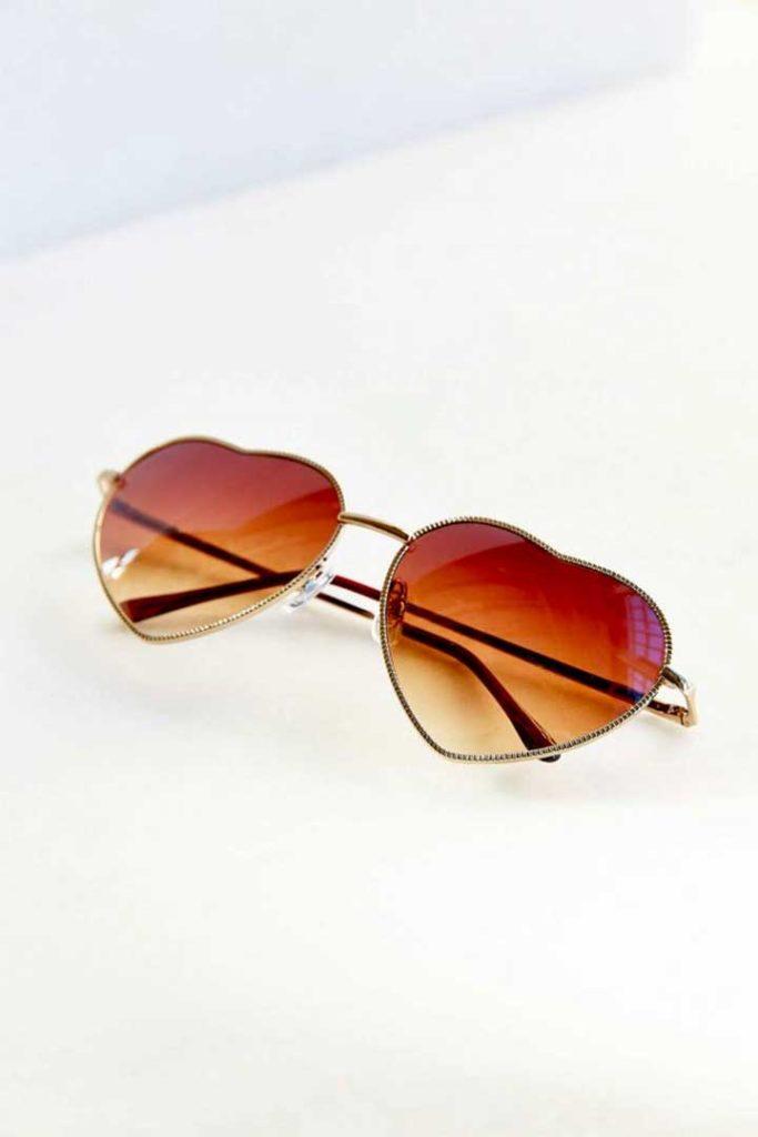 UO Heartbreaker Sunglasses