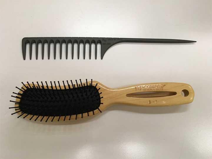 Umberto Banana Brush Comb