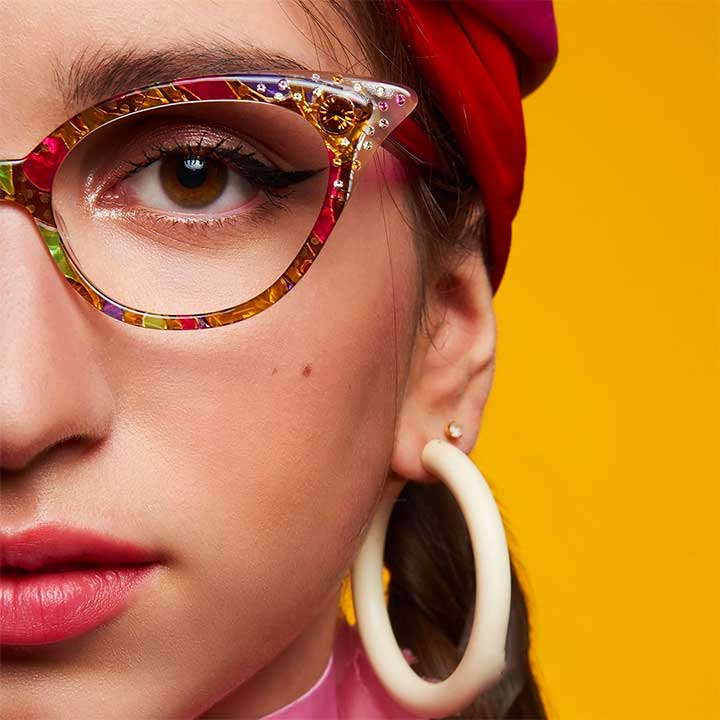 What Your Sunglasses Say About You