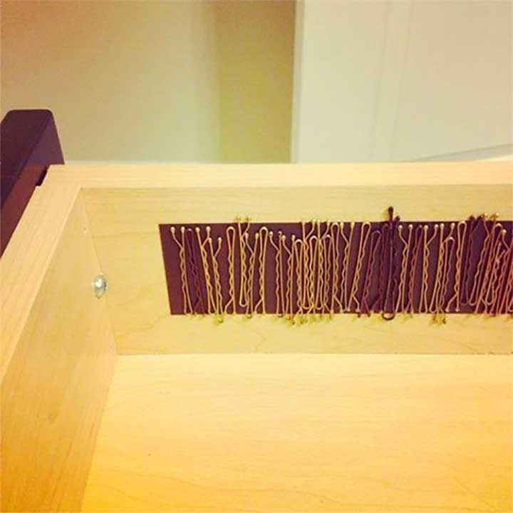 Bobby pins magnetic strips