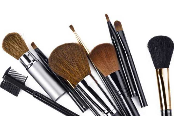 Everything You Need To Know About Your Makeup Brushes, But Were Too Embarrassed To Ask