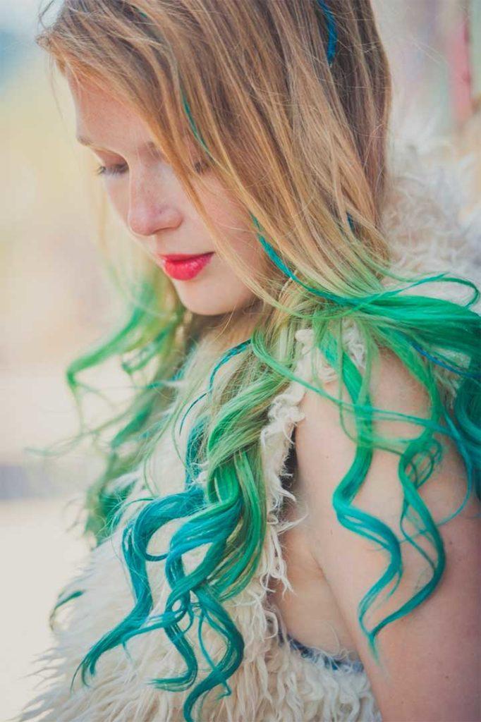 Hair Chalk Green Blue