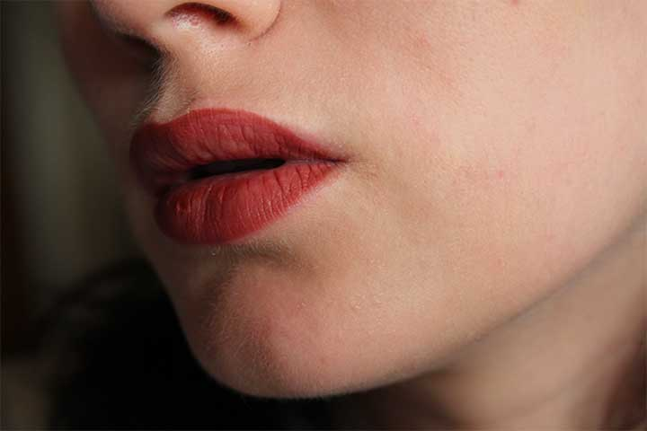 Red Lipstick Makeup Tutorial: Lipliner