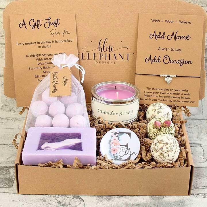 Best Retirement Gift Ideas: Spa gift basket