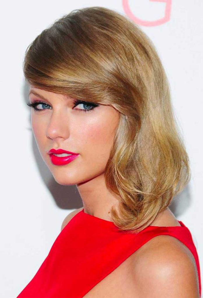 Taylor-Swift hair makeup- The Giver premiere