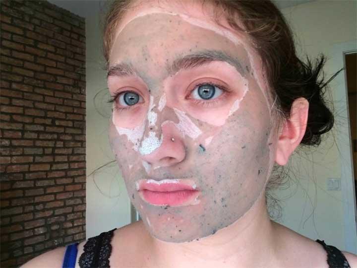 GlamGlow YouthMud Tinglexfoliate Treatment Mask Review