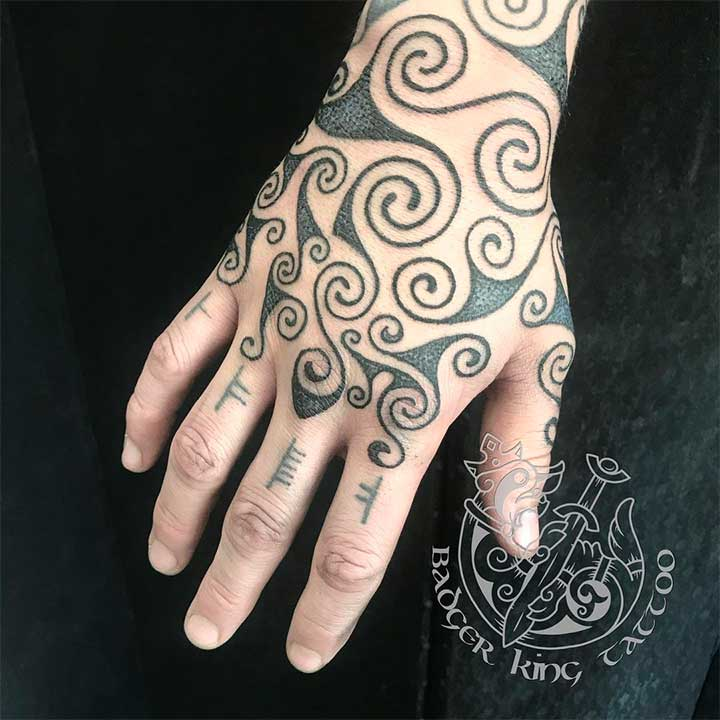 small celtic tattoos for females and meanings