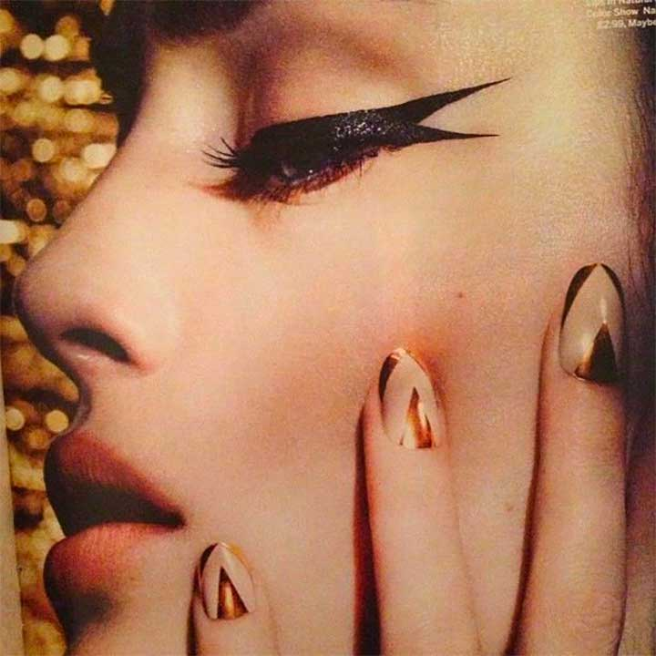 How to apply fishtail style eyeliner