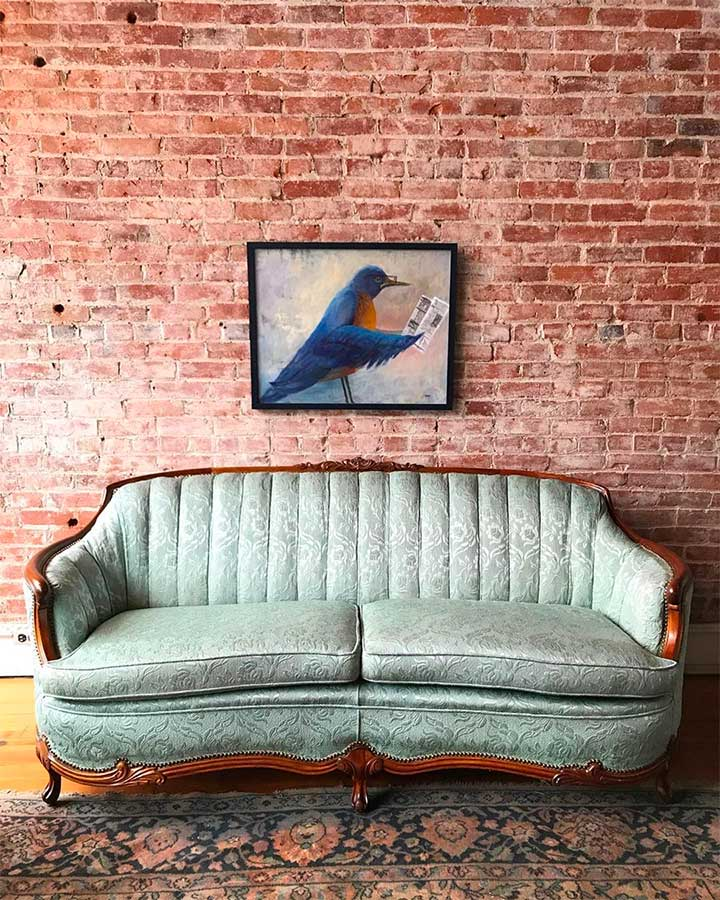 Decorating a Living Room With a French Cabriole Sofa.