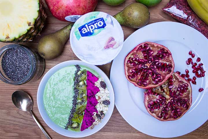 Green Smoothie Bowl - easy, quick and healthy breakfast