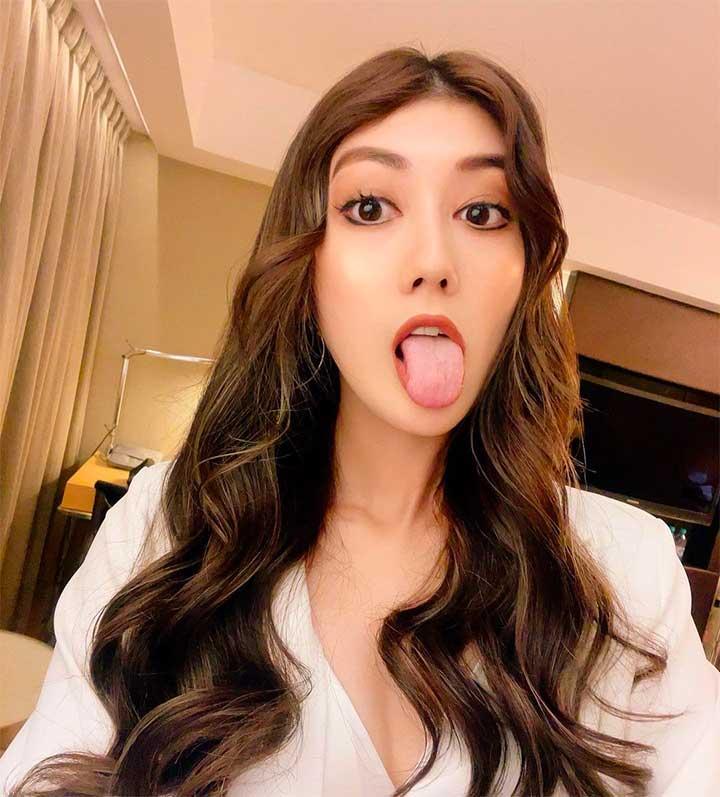Instagram Model Selfie Photos