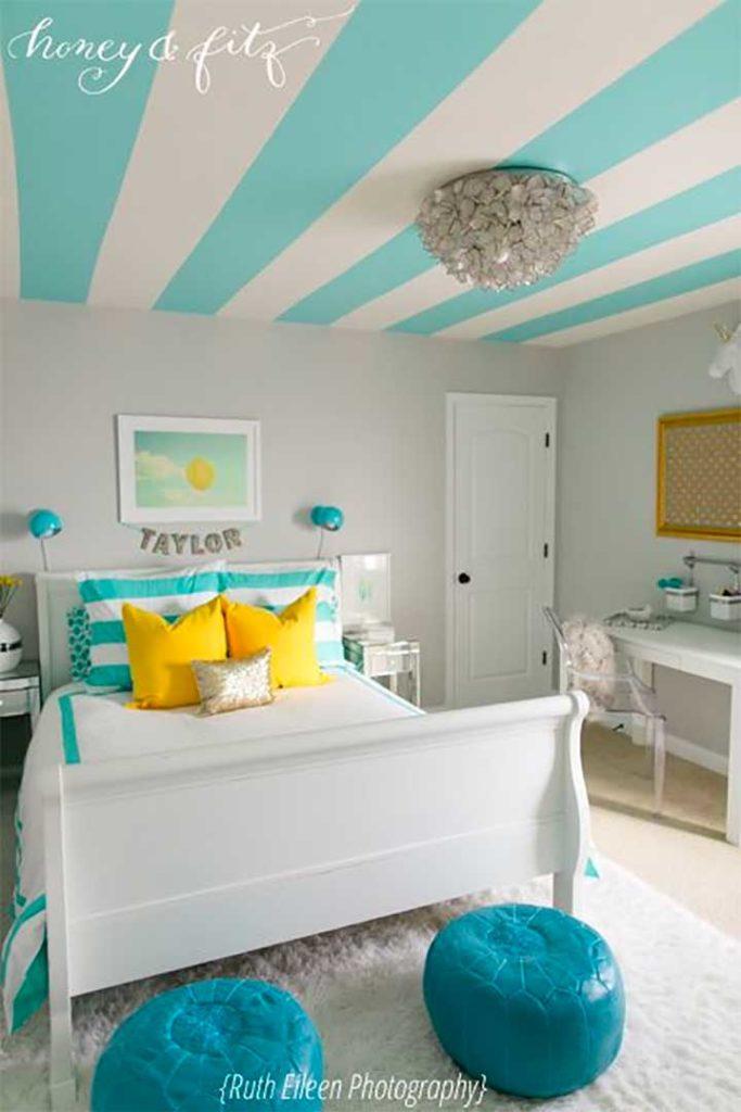 Striped Bedroom Décor Ideas