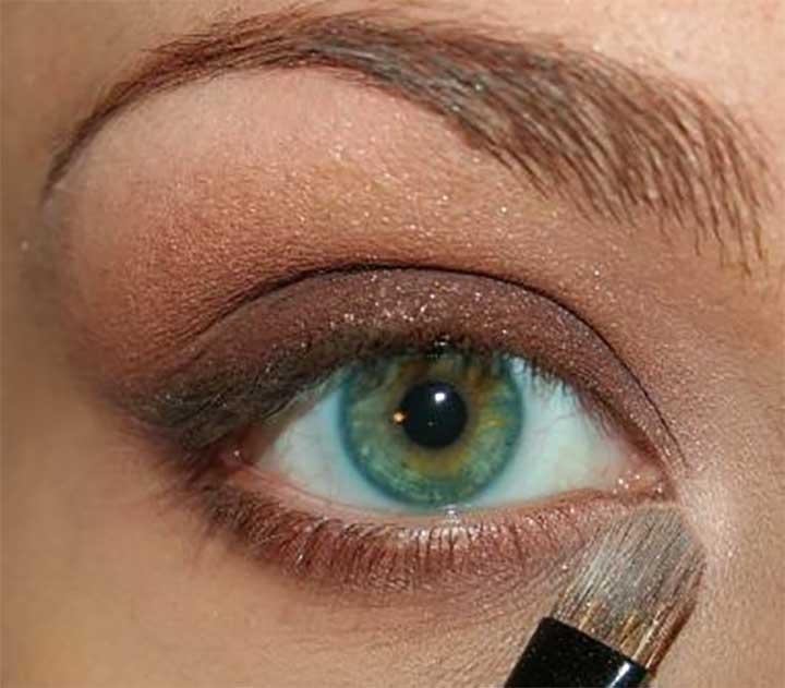 The brown smoky eye
