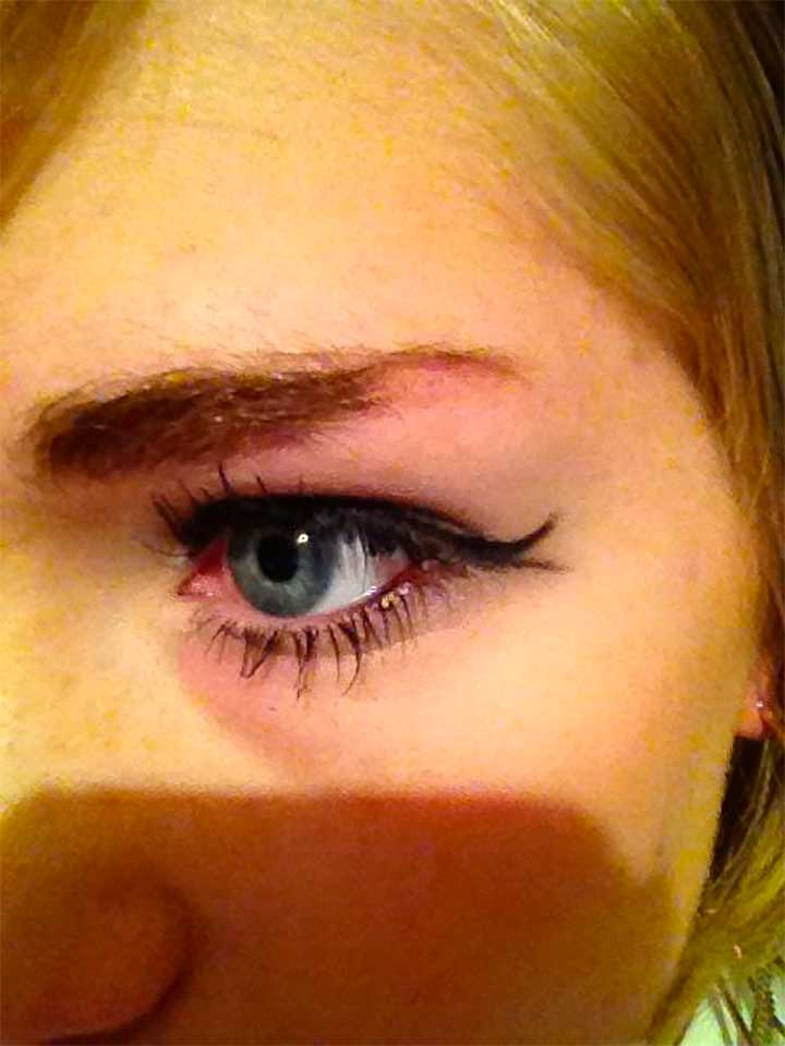Tiny Double Flick Eyeliner